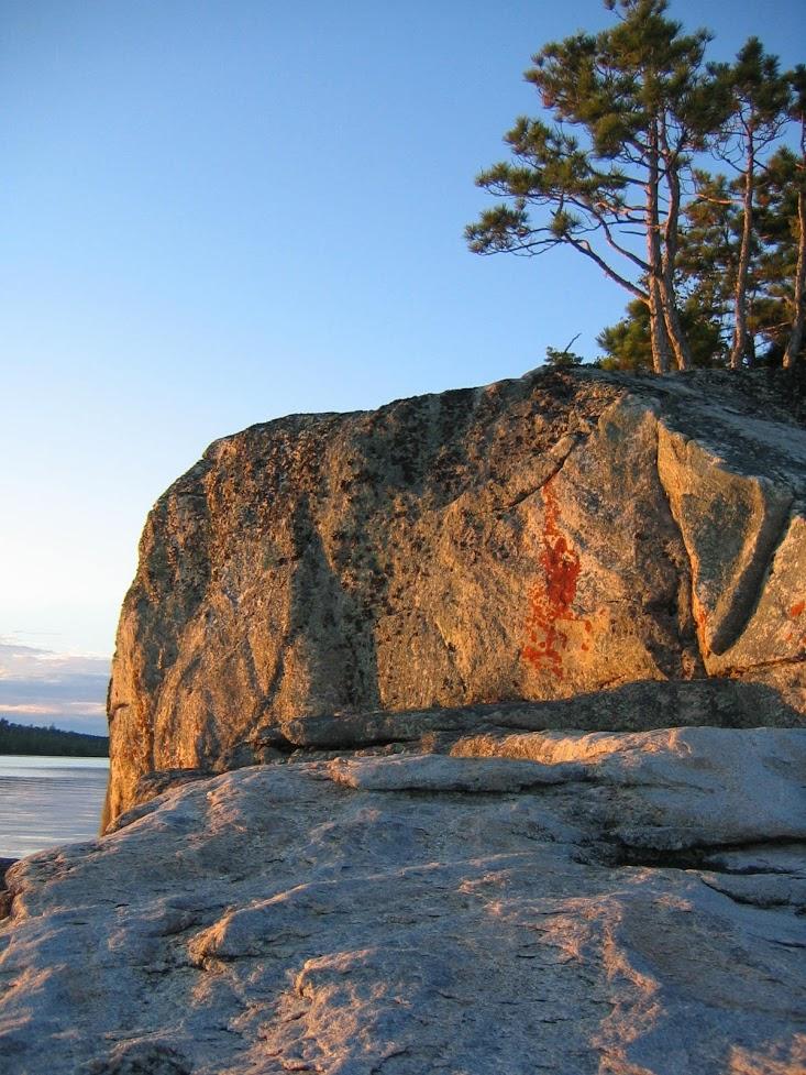 northwest ontario rock and lake